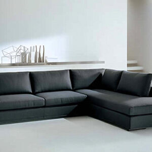 A-modern-Italian-sectional-sofa